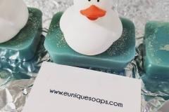 Ducky in Shining Glitter Bath